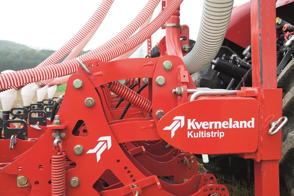 Il Kultistrip è l'attrezzatura di Kverneland dedicata alla lavorazione a strisce.