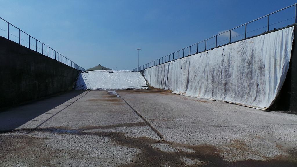 Una delle numerose platee in cemento per la conservazione dell'insilato di mais destinato agli impianti di biogas