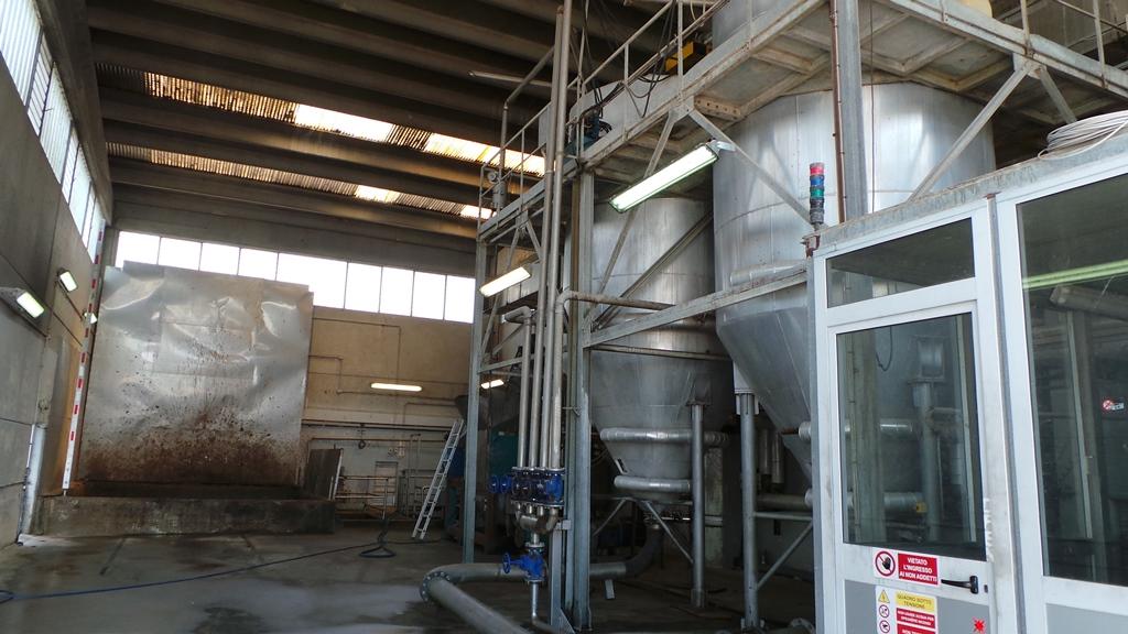 L'impianto per il ricevimento ed il trattamento termico di sterilizzazione di materiale organico di scarto per la produzione di concime organico Idrobios.