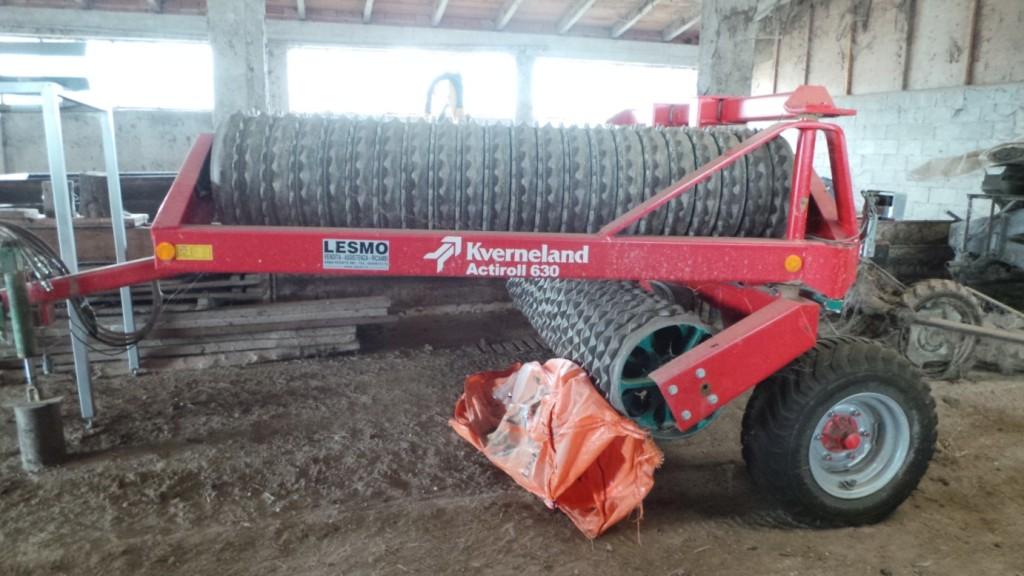 Il rullo Actiroll 630 per il passaggio finale sul terreno lavorato dal CLC, prima della semina del riso.